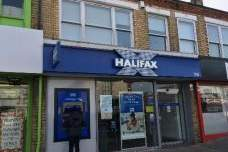 Primary Photo - 318 Holderness Rd, Hull - Shop for sale - 1,282 sq ft