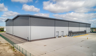 Rear of the Building - Academy One, Liverpool - Industrial unit for rent - 110,000 sq ft