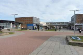 Primary Photo - Mastrick Shopping Centre, Aberdeen - Shop for rent - 1,685 sq ft