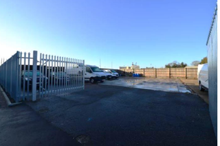 1 - Fenced Yard Space, Wembley - Industrial unit for rent - 4,500 sq ft