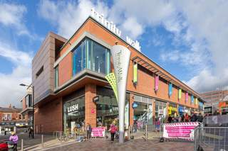 Primary Photo - Trinity Walk Shopping Centre, Trinity Walk Shopping Centre, Wakefield - Shop for rent - 516 to 4,823 sq ft
