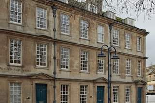 Primary Photo of 9 Kingsmead Sq