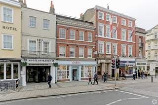 Primary Photo - 24 High St, Windsor - Shop for rent - 4,066 sq ft