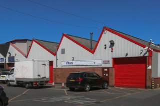 Primary Photo - Units 2-12, Tariff Rd, Lake Business Centre, London - Industrial unit for rent - 5,831 sq ft
