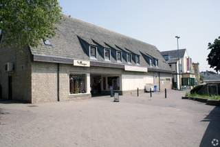Primary Photo of Bishops Walk Shopping Centre, Cirencester