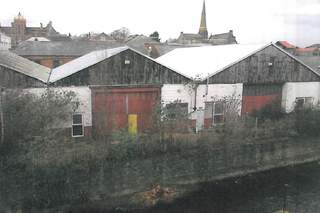 Primary Photo of Weir St