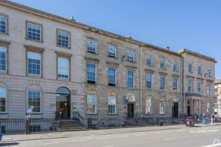 Primary photo - 18 Blythswood Sq, Glasgow - Office for rent - 2,490 sq ft