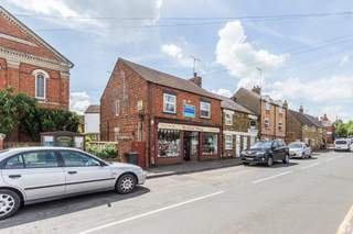 Primary Photo - 32 Broad St, Northampton - Shop for sale - 1,150 sq ft