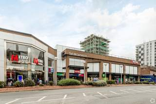 Primary Photo - Broadwalk Shopping Centre, Edgware - Shop for rent - 1,615 sq ft