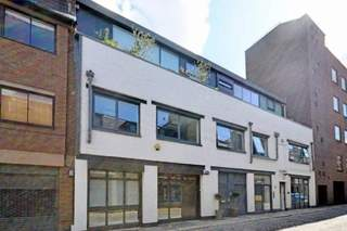 Primary Photo of 4-6 Brownlow Mews, London