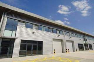 Primary Photo - Unit 4-9, Drakes Dr, Crendon Industrial Park, Aylesbury - Industrial unit for rent - 7,458 to 4,240 sq ft