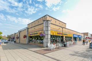 Building Photo - Yate Shopping Centre, Yate Shopping Centre, Bristol - Shop for rent - 920 sq ft