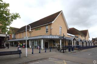 Primary Photo - Rams Walk, Petersfield - Shop for rent - 2,598 sq ft