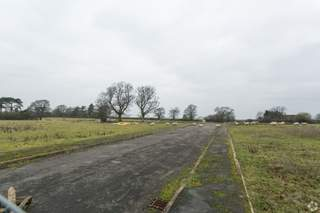 Primary Photo of Lufton 2000