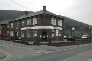 Primary Photo of 31 High St, Wrexham
