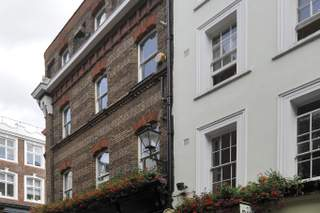 Primary Photo of 32 Carnaby St