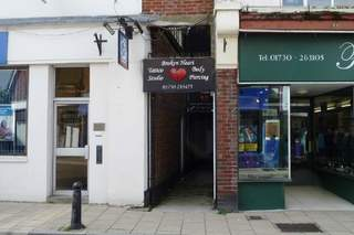 Primary Photo of 2a Chapel St, Petersfield