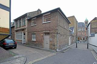 Primary Photo of 3 Castle Yard