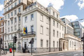 Primary Photo - Flanders House, London - Shop for rent - 2,677 sq ft
