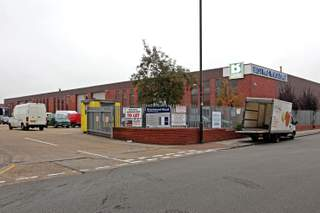 Primary Photo - Unit B, 125 Brantwood Rd, Brantwood Road Industrial Est., London - Industrial unit for rent - 19,500 to 48,616 sq ft