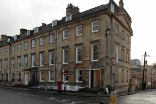 Primary Photo of 12-13 Queen Sq