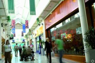 Primary Photo of High Street Mall