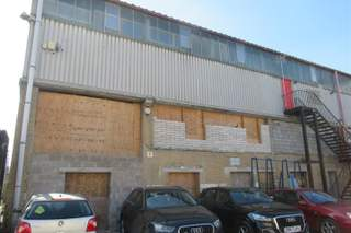 Building Photo for Units 7-14, Riverside Rd