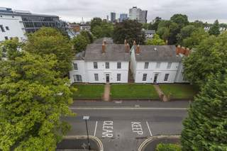 Primary Photo of 4 Vicarage Rd