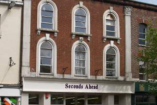 Primary Photo - 14 Fore St, Tiverton - Shop for rent - 2,933 sq ft