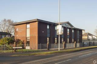 Primary Photo - 133 Manchester Rd, Rochdale - Office for rent - 1,916 to 3,875 sq ft