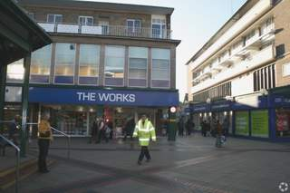 Primary Photo - 25-29 Corporation St, Willow Place, Corby - Shop for rent - 1,393 sq ft