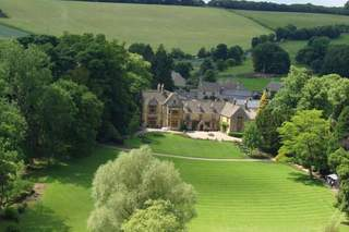 Primary Photo of Lords Of The Manor Hotel