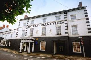 Primary Photo of Hotel Mariners