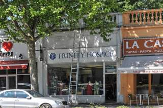 Primary Photo - 124 Streatham High Rd, London - Shop for rent - 696 sq ft