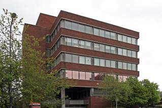 Primary Photo of Computer House