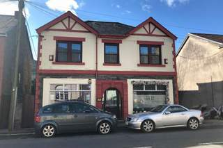 Primary Photo of 18 Cardiff Rd