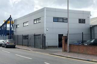 Primary Photo of 4 Thames Rd