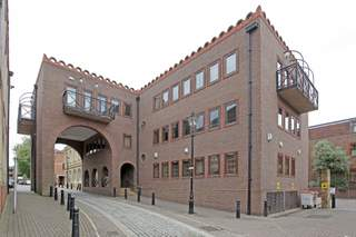 Building Photo - Saracen House, Isleworth - Office for rent - 540 to 789 sq ft