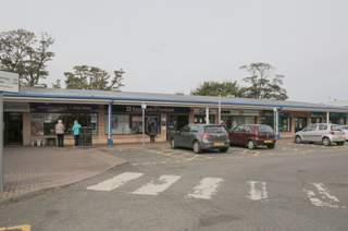 Primary Photo - Bay Centre, Dunfermline - Shop for rent - 1,085 sq ft