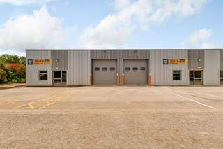Coningsby Business Park  Unit 19/20 picture No. 2