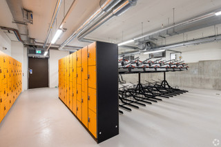Bicycle Storage and Showers - The Hive Building, Wembley - Office for rent - 6,744 to 53,948 sq ft