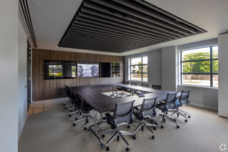 Meeting Room - Neo House, Aberdeen - Co-working space for rent - 9,000 to 30,000 sq ft