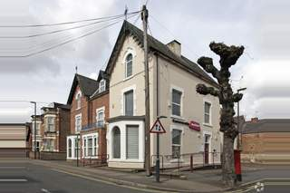 Primary Photo of 4-5 Charnwood St