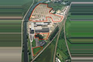 Primary Photo of Road and Rail Distribution Site