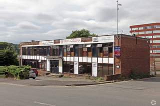 Primary Photo of 11 Duke St, High Wycombe
