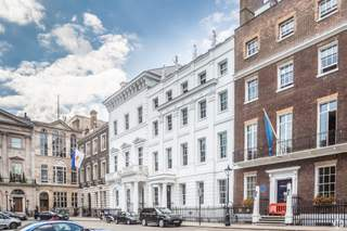Primary Photo of 11-12 St James's Sq, London