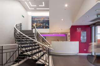 Lobby for 150-154 Oxford St - 1