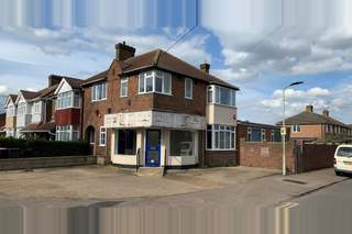 Primary Photo of 148 London Rd, Bedford