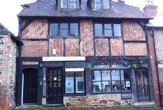 Primary photo of 11 High St, Oxted