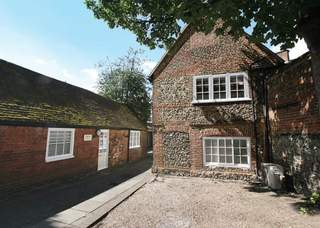Primary photo of 3 High St, Marlow